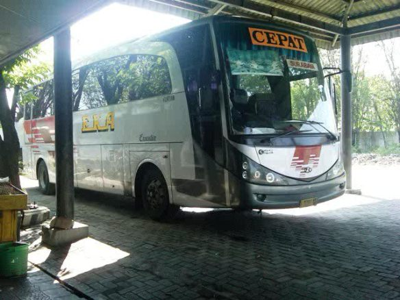 EKA CEPAT Solo - Surabaya RM DUTA Ngawi